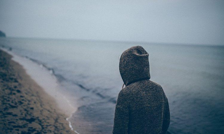 Különbség a szociális szorongás és a félénkség között